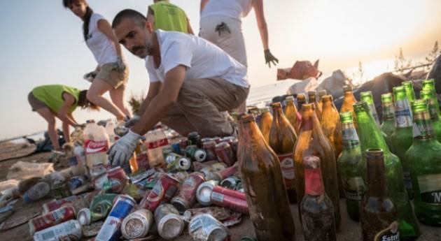 Greenpeace llevará cabo veintena limpiezas playas, ríos y embalses