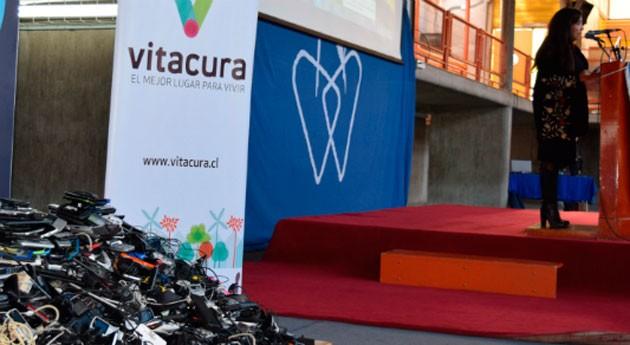 Escolares Vitacura recolectan cerca 3.000 celulares y cargadores desuso reciclaje