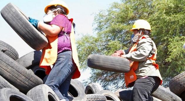 Bolivia aprueba proyecto ley favor recolectores residuos sólidos