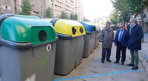 Lleida aumenta número contenedores recogida selectiva ciudad