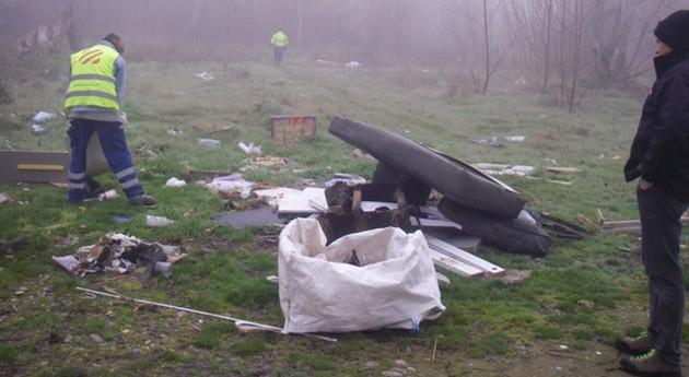 Alerta posibles vertidos incontrolados residuos cuenca río Segre