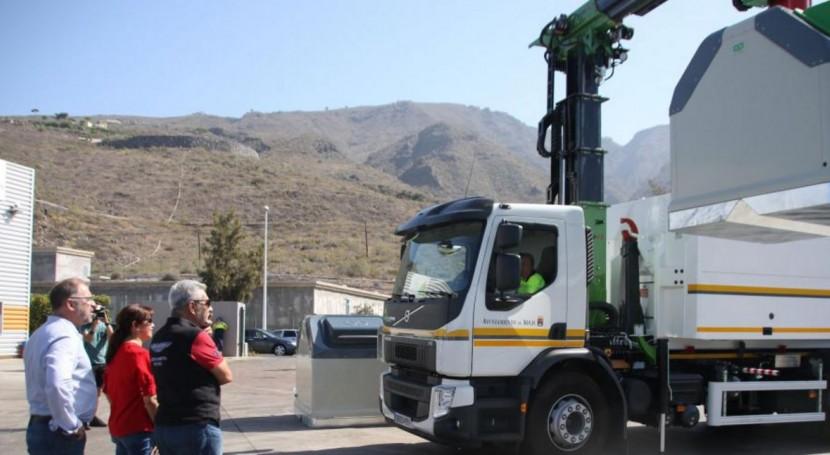 Adeje renueva vehículos y contenedores servicio recogida residuos sólidos
