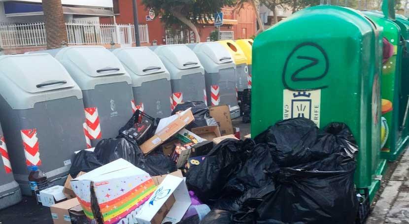 Multa 3.000 euros depositar basura fuera contenedor Arona