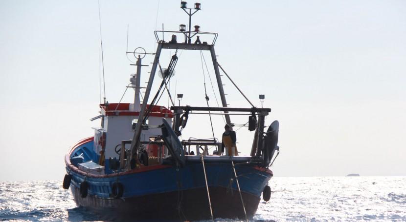 Más 1.300 pescadores gallegos colaboran reciclar basura marina