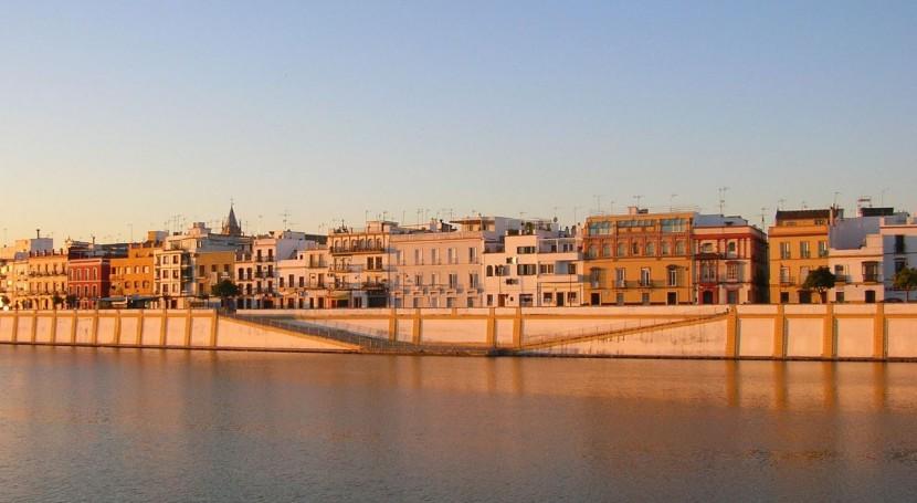 Sevilla recoge primera vez residuos Velá Triana forma selectiva