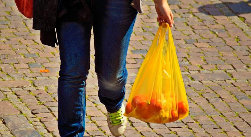 marcha campaña prohibición bolsas plástico gratis comercios catalanes