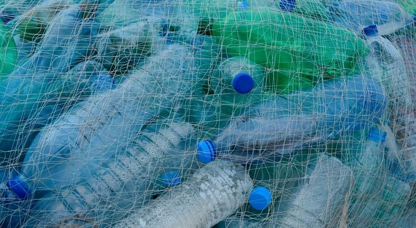 Parlamento Europeo pedirá más reciclaje plásticos y prohibición partículas micro