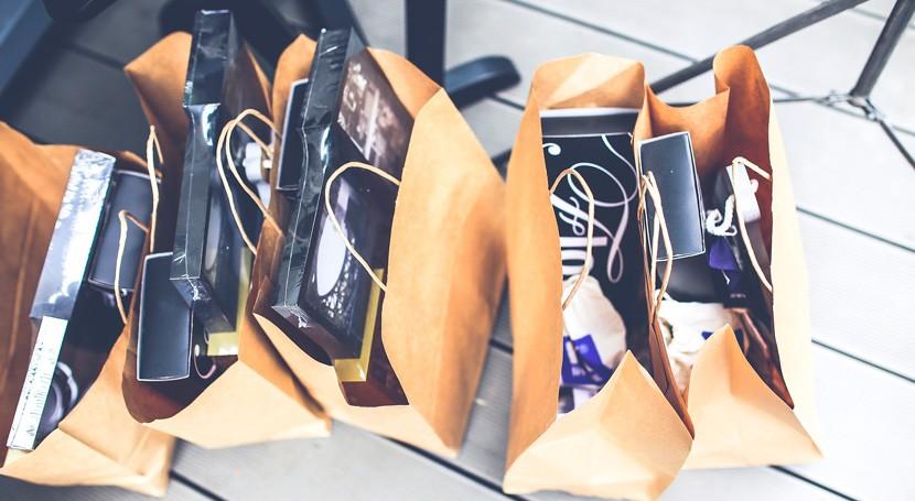 consumidores identifican bolsa papel como amistosa medio ambiente