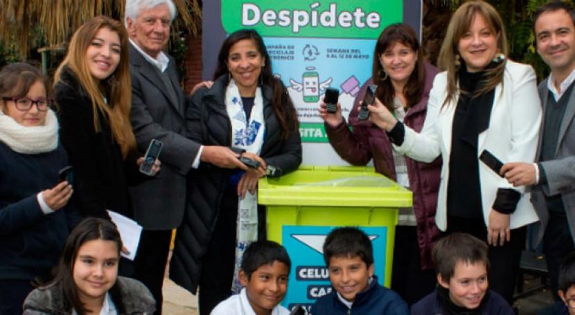 Vitacura y Fundación Chilenter lanzan campaña reciclaje celulares colegios