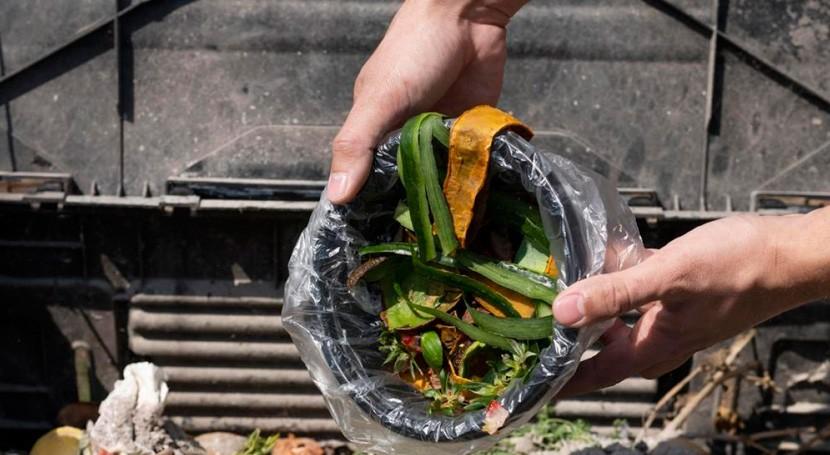 Compostar puede ayudarnos reducir nuestro impacto planeta