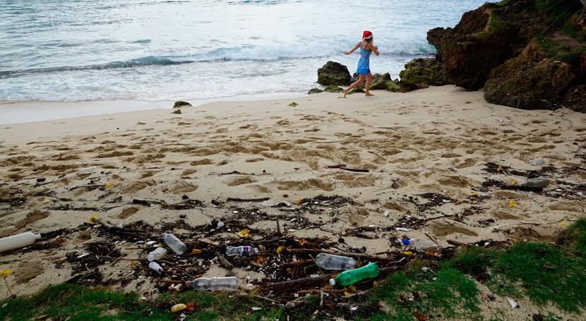 contaminación química plástico, amenaza silenciosa