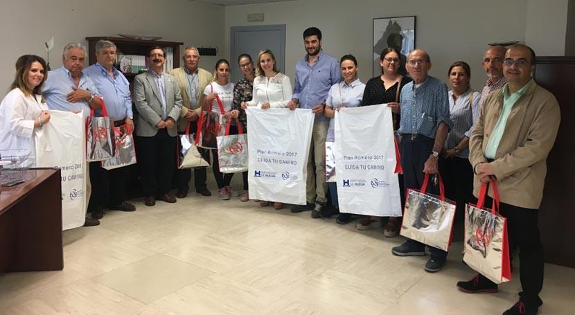 Huelva reparte 20.000 bolsas hermandades Rocío recogida residuos