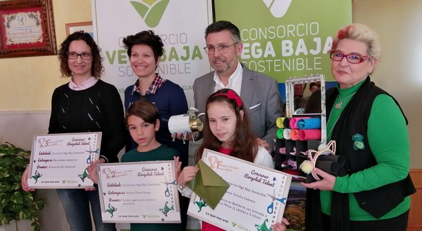 "Vega Baja Sostenible entrega premios concurso infantil reciclaje ""Recycled Talent"""
