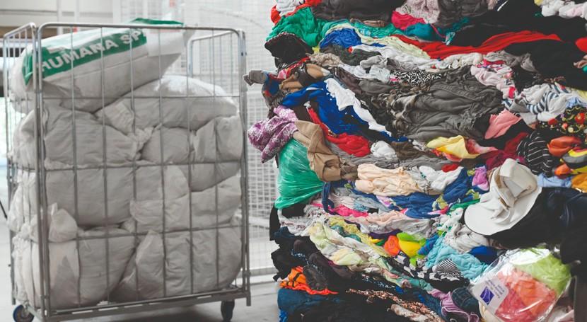 FER solicita apuesta Economía Circular recogida y gestión residuo textil