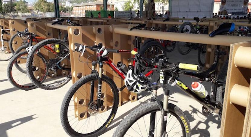Alpesa creará párking palets cartón 100% reciclado 400 bicicletas