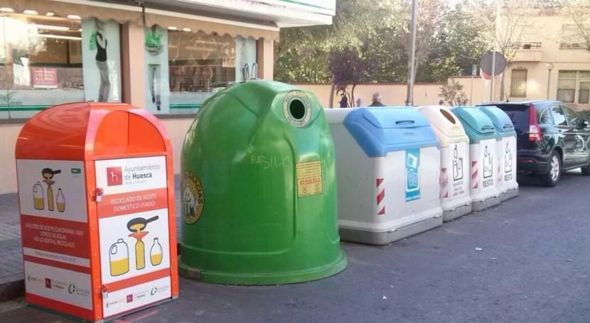 Huesca estrena primeros contenedores recogida y reciclaje aceite doméstico