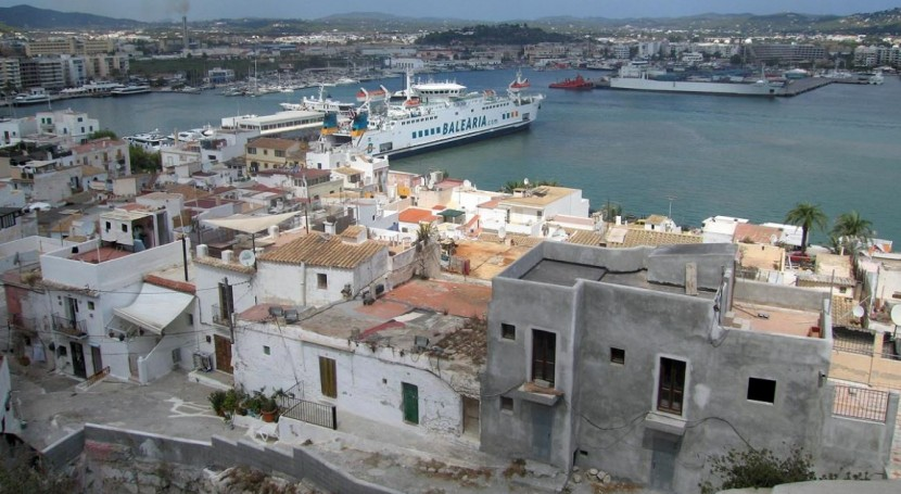 comercios Ibiza se informan reciclaje aparatos eléctricos y electrónicos