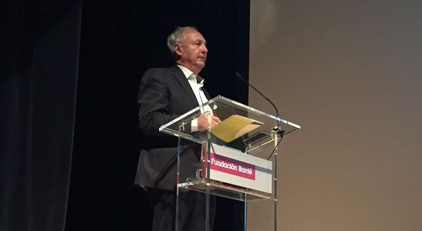 """Jean Pierre Hannequart: """" prevención residuos debe ser prioridad jurídica y política"""""""