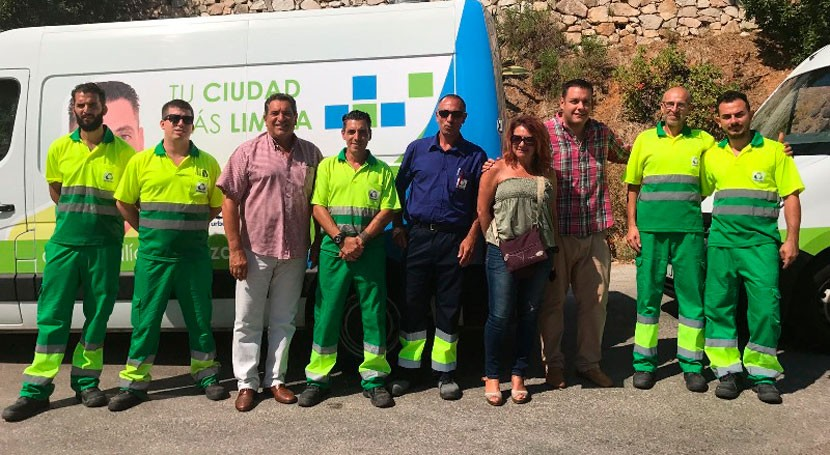 5 equipos baldeo limpiarán diariamente contenedores e islas ecológicas Fuengirola