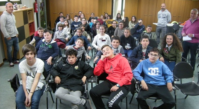 Escolares Oia visitan Sogama marco campaña reciclaje gallega