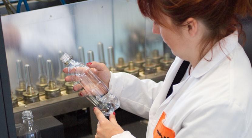 Residuos zumo naranja, materia prima nuevos bioplásticos sector ferroviario