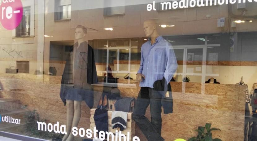 Nace moda re-, proyecto reciclado textil criterios éticos insertar personas