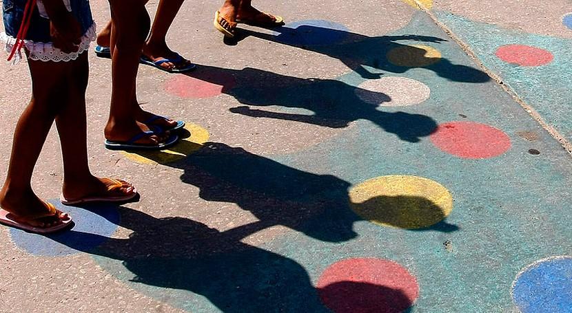 pulseras silicona revelan exposición niños Uruguay contaminantes químicos