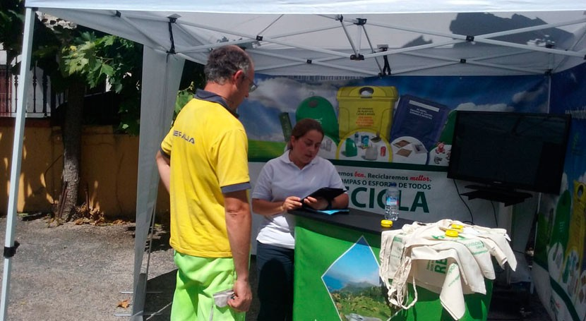"""""""Oportunidades Galicia"""" llega Gomesende y Celanova información reciclaje"""