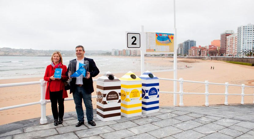 Pajarita Azul sobrevuela Gijón reconocimiento gestión reciclaje papel