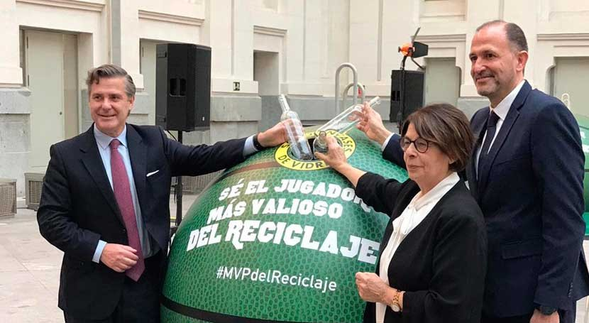 Madrid, NBA y Ecovidrio renuevan primera pista basket vidrio reciclado mundo