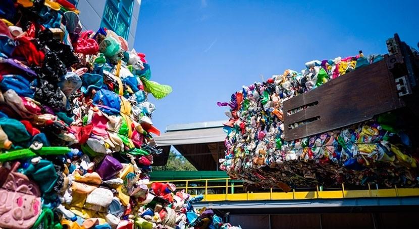 Veolia apuesta reciclaje plásticos