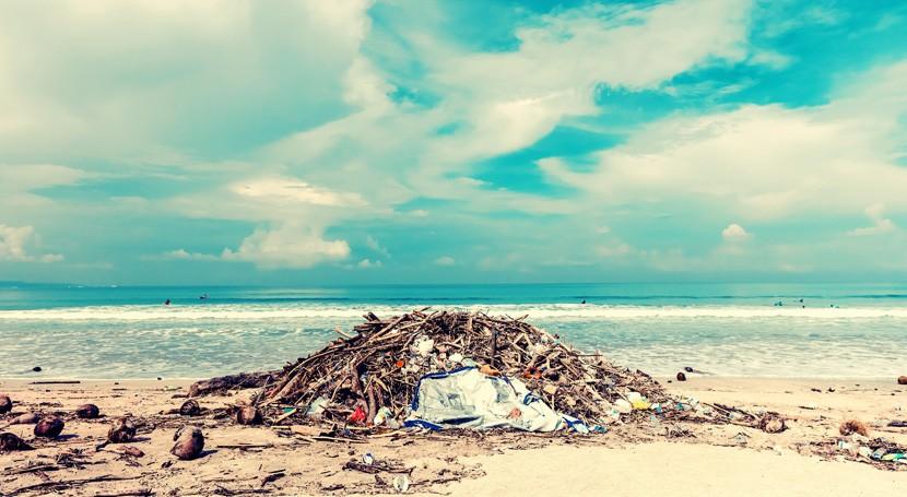 Consumidores y empresas piden más acción gobiernos combatir plásticos desechables