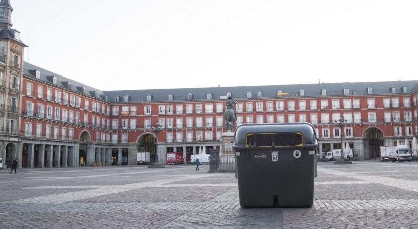 Plaza Mayor Madrid estrena contenedores envases