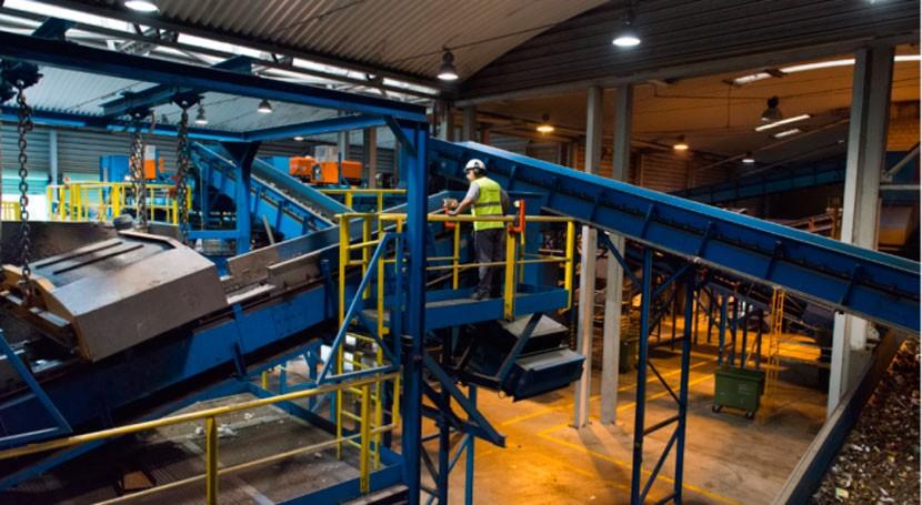 Proyecto R3BORN: ¿Cómo transformar residuos plásticos nuevas materias primas?