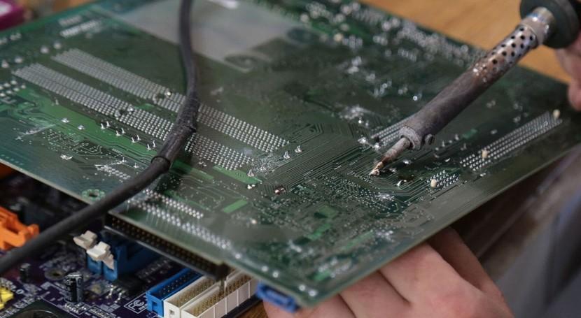 ¿Es posible luchar desperdicios electrónicos través internet?