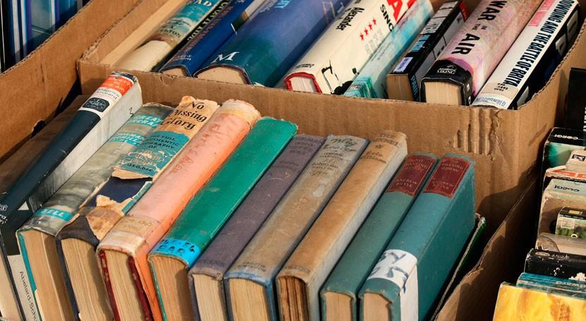 cultura través reciclaje: Señor Libros