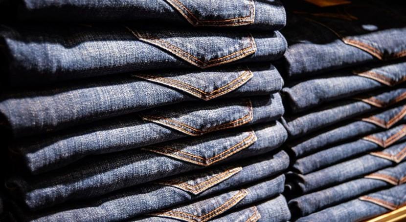 vaqueros etiquetas: Nuevos métodos reciclaje aumentan sostenibilidad moda