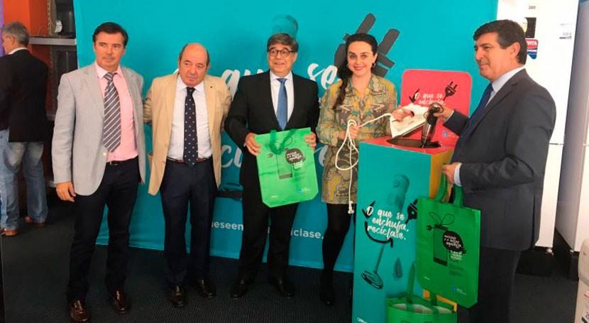 """Ecoasimelec, Ecofimática y Ecolum colaboran campaña gallega """"Lo que se enchufa, se recicla"""""""