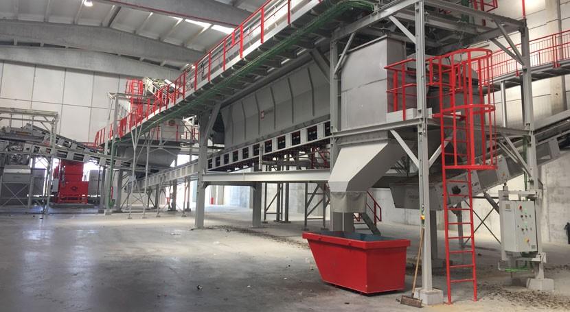 FCC empieza explortar centro tratamiento residuos sólidos urbanos Alt Empordà