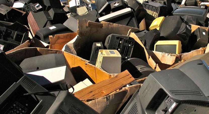montañas desechos electrónicos: posible ventaja humanidad