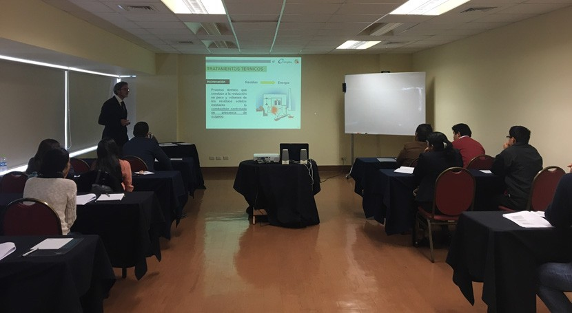 Emgrisa participa Seminario Gestión Residuos Sólidos Lima