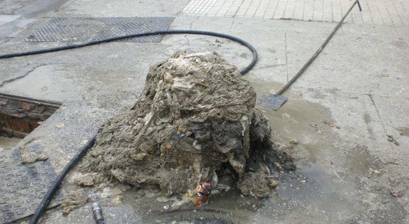 Tirar toallitas húmedas inodoro cuesta Europa 500 y 1.000 millones euros al año