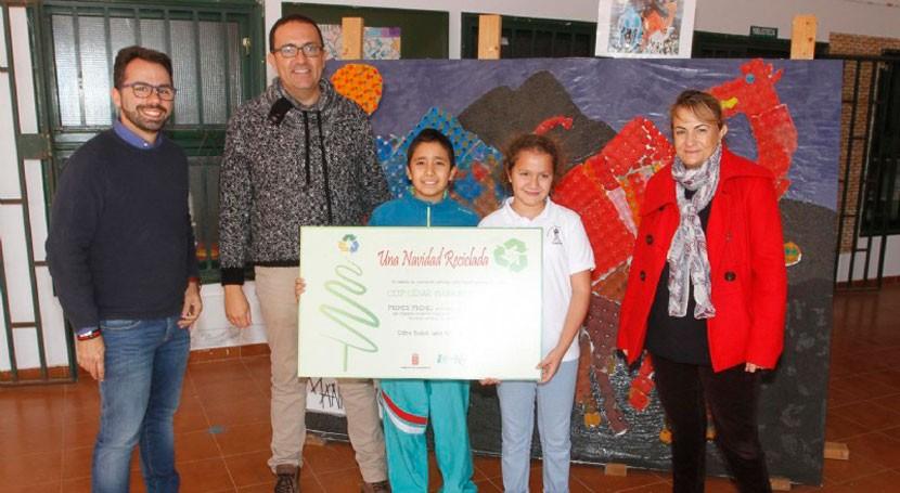 Lanzarote entrega premios concurso escolar ' Navidad Reciclada'