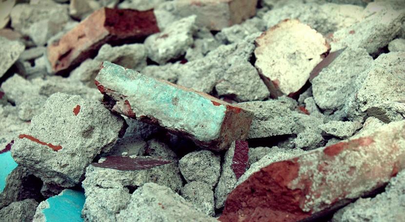 cantería vierte ilegalmente lodos y escombros Umbría-Tiro Pichón