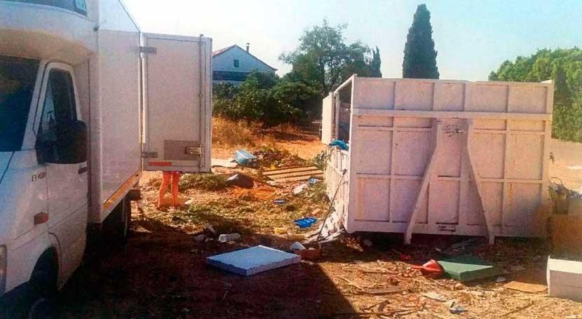 Alhaurín Torre tramita varias denuncias vertidos ilegales residuos y escombros
