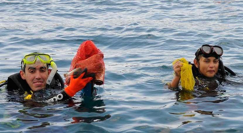 Panamá apuesta mares contaminación: miles voluntarios limpian más 50 playas
